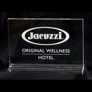 Plaque plexiglass prix aux revendeurs de la marque Jacuzzi