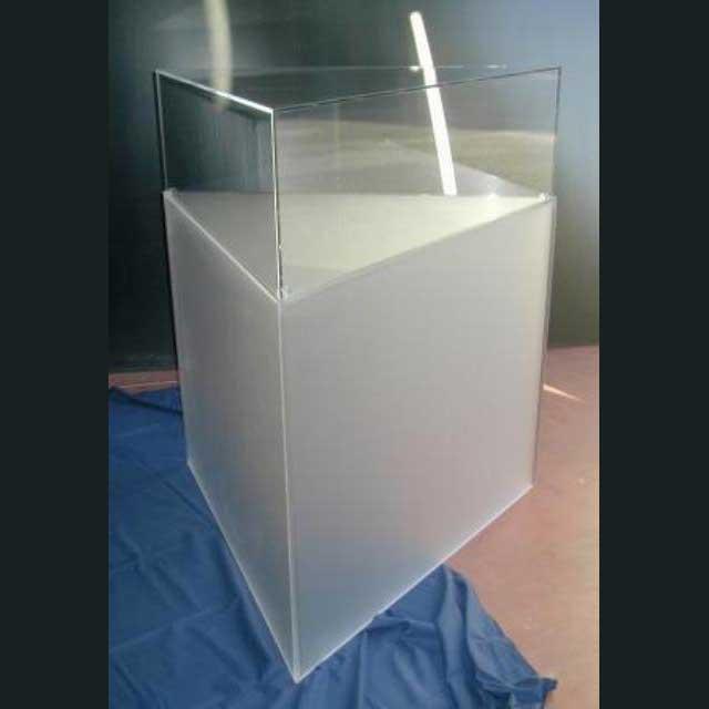 Vetrina colonna plexiglass satinato e teca plexiglass trasparente