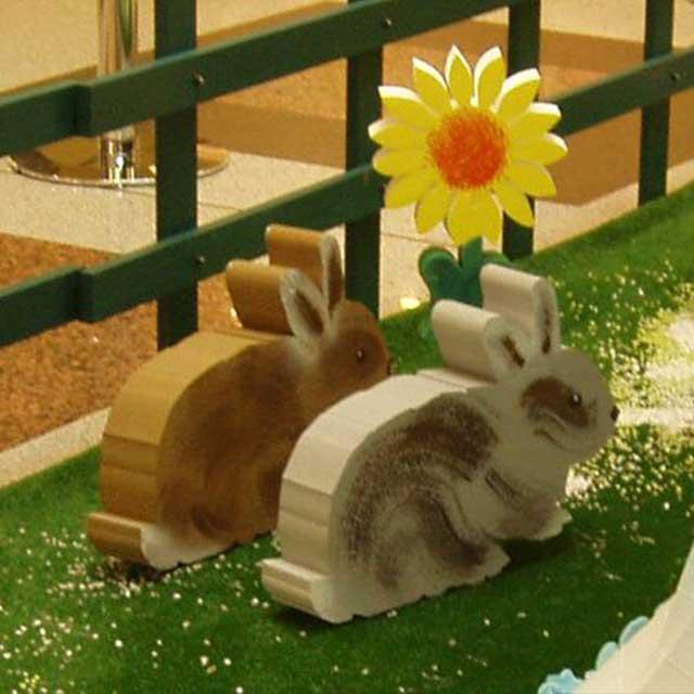 allestimento polistirolo e legno verniciati per Pasqua centro commerciale Shopville Gran Reno 2