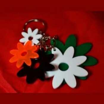 Porte-clés multifleurs plexiglas de couleur, 5 fleurs de tailles différentes, pour les attacher à des sacs à main ou à des sacs pour filles.