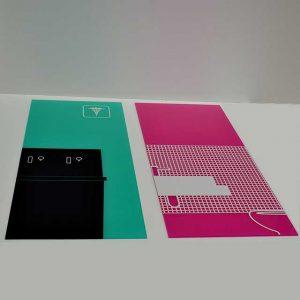 Pour un montage facile des panneaux transparents imprimés