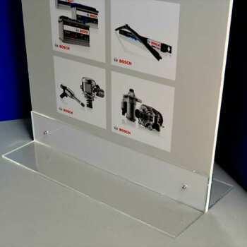 Vue de la base en plexiglas du Totem publicitaire PVC light 2 faces base plexiglass transparent détail