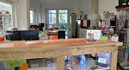 ufficio Ludovic Plexiglass produzione arredamento e espositori in plexiglass