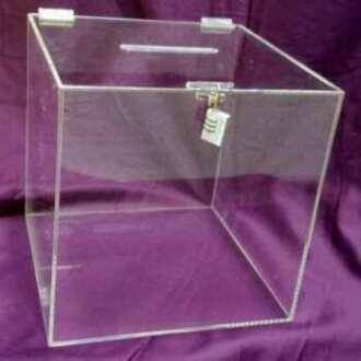 Urne plexiglas transparent collecte d'informations pour formulaires remplis par les visiteurs d'un événement.Cadenas. Cm 50x50x50
