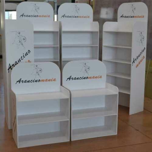 Mobile pvc bianco espositore con ripiani e stampa logo per punti vendita Arancinomania