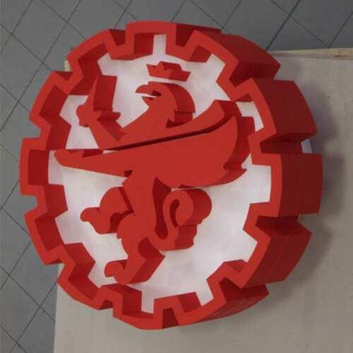 Sagoma polistirolo logo per industria meccanica verniciato a due colori