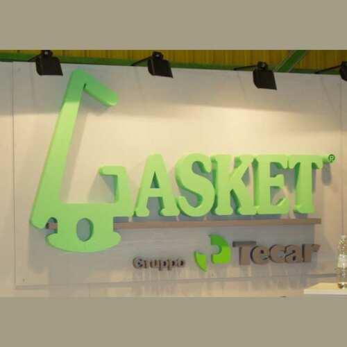 Logo polistirolo verniciato per stand alta densità e autoestinguente. Lettere singole verniciate, lettere piccole su plexiglass trasparente