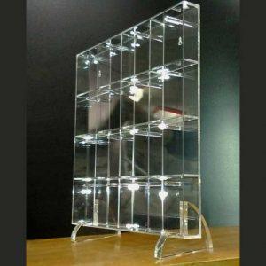 Bellissimo Mobile plexiglass a caselle per chiavi o altro 16 caselle, appoggio con 2 piedi rimovibili o appeso al muro con 2 asole nel retro