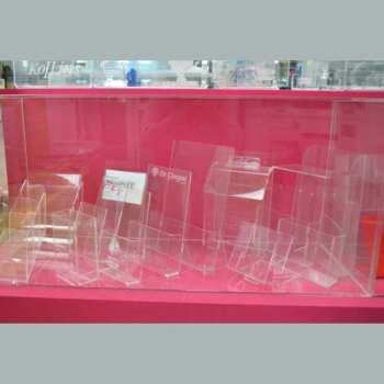 Porte dépliants plexiglas échantillons en exposition dans notre show room de Bologne. Si vous avez besoin d'idées et si vous passez........