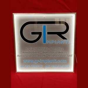 targa plexiglass luminosa incisione e adesivo