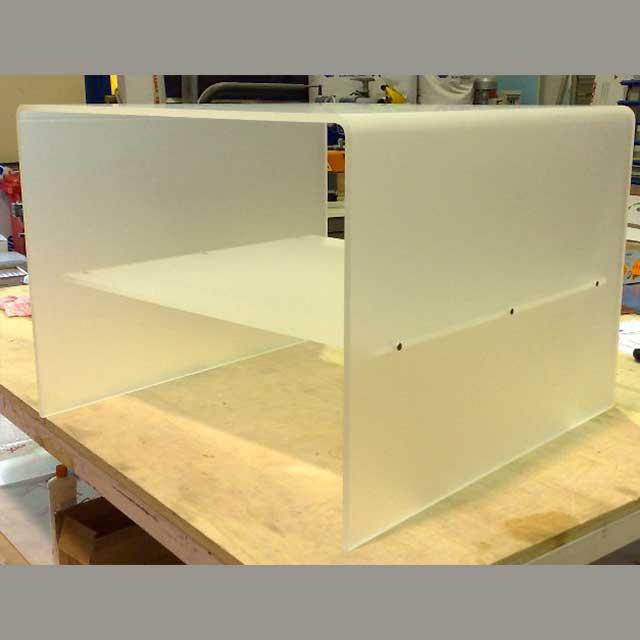 Comodino plexiglass bisatinato basso un ripiano 60x60