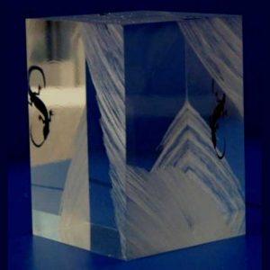 fermacarta design plexiglass graffiato