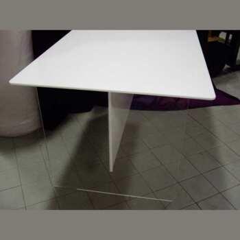 tavolo plexiglass trasparente piano e traversa plexi opal 2