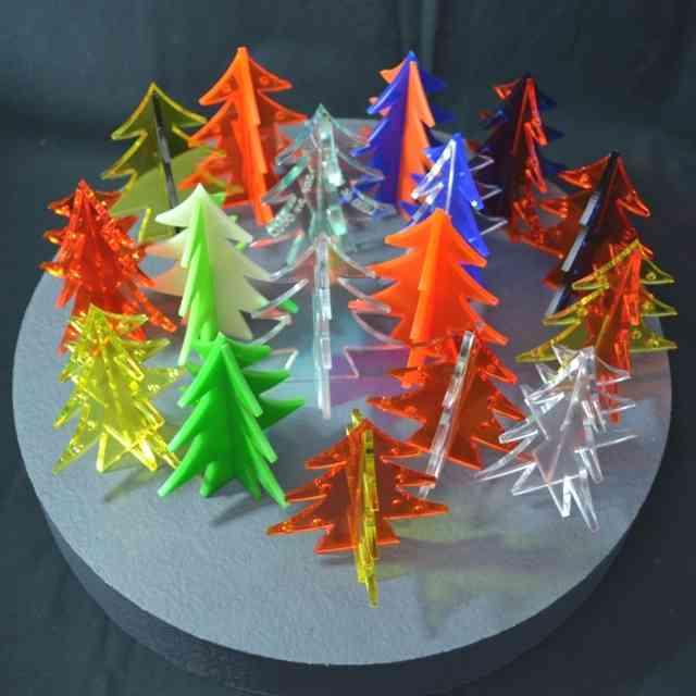 Aberi di Natale in plexiglass colorato 3D da tavolo