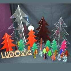 Sapins de Noël en plexiglas de couleur 3D Vitrines, comptoirs, bureaux choisissez-les, ils sont autoportants à partir de 5 cm. Pour Noël !