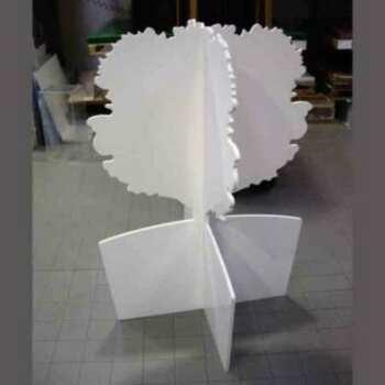 Arbre totem 3D PVC découpe fraise, publicitaire autoportant, avec l'impression on peut y ajouter plein d'accessoires, poches, cintres, etc.,