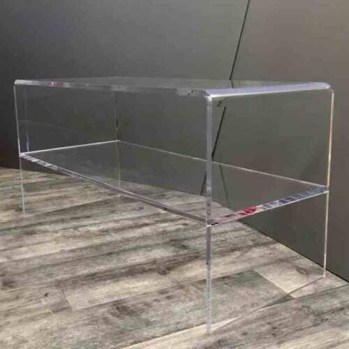"""Tavolo salotto plexiglass a ponte o """"U"""" rovesciata tutto in trasparente in 15 mm di spessore con ripiano . E 'una delle forme più richieste."""