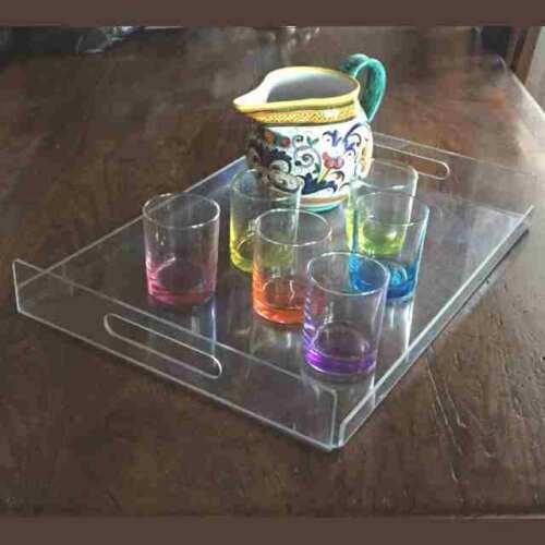 Plateau professionnel polycarbonate transparent pour mobilier de bar, restaurant et catering et couvre tavoli en plexiglas bloque nappes.