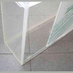 Vetrina plexiglass porta scorrevole dettaglio