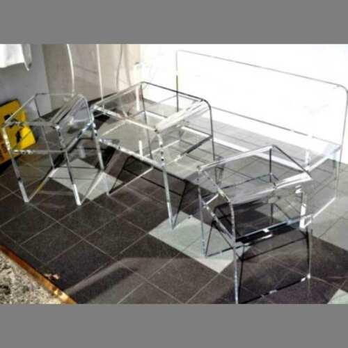 Tavoli plexiglass espositivi per vetrina in 20 mm. 3 dimensioni a scalare. Un insieme che giova ai prodotti esposti. Bellissimi per la casa!