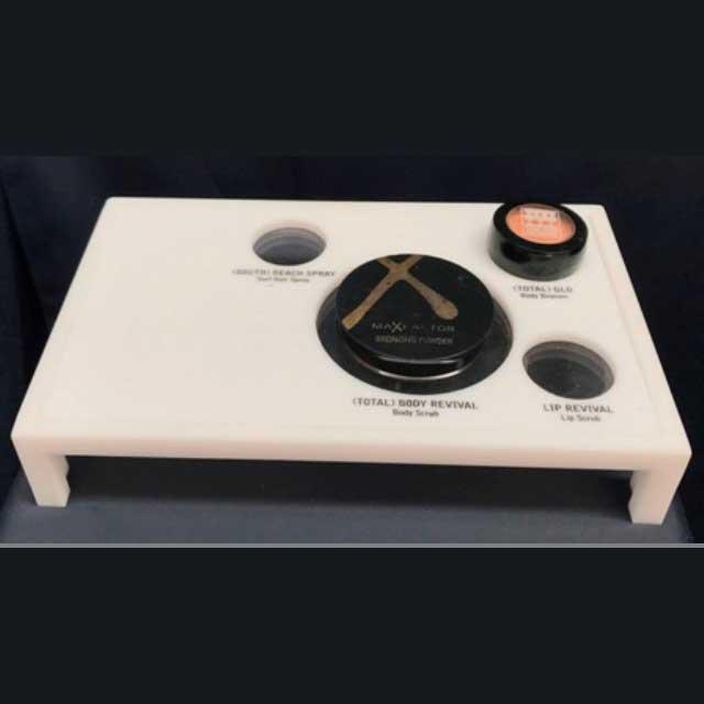 Espositore plexiglass opal e incisione per profumerie tester