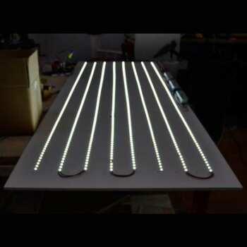 Installation LED pour enseigne lumineuse Sur la photo vous pouvez voir un montage de LED pour enseigne lumineuse faite dans nos laboratoires.
