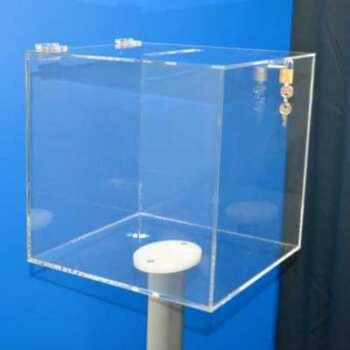 Urna plexiglass su piedistallo con lucchetto