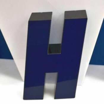 Lettere scatolate plexiglass nero blu a led cm H23 P6
