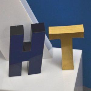 Lettere in rilievo ottone per insegne luminose