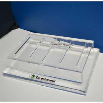Présentoir plexiglas pour pièces industrielles plexi 20 mm