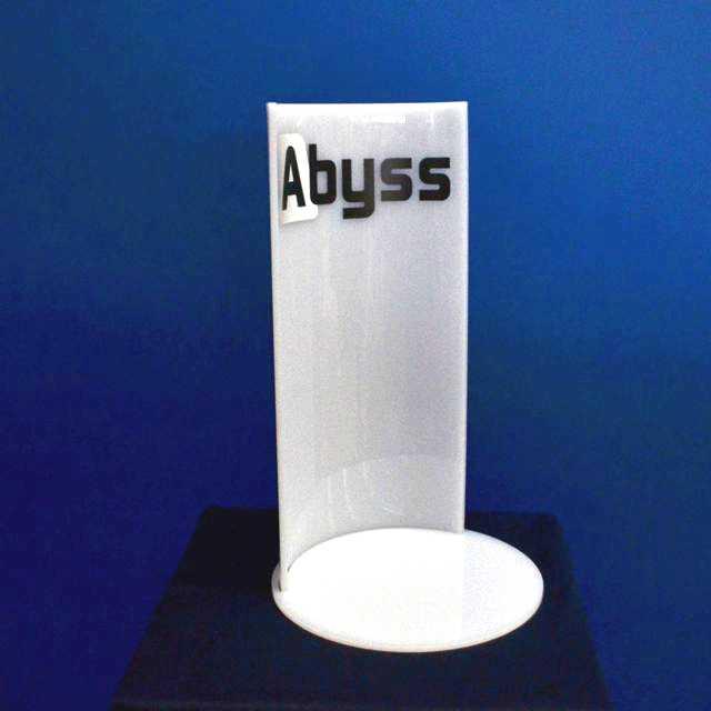 espositore curvo in plexiglass opal