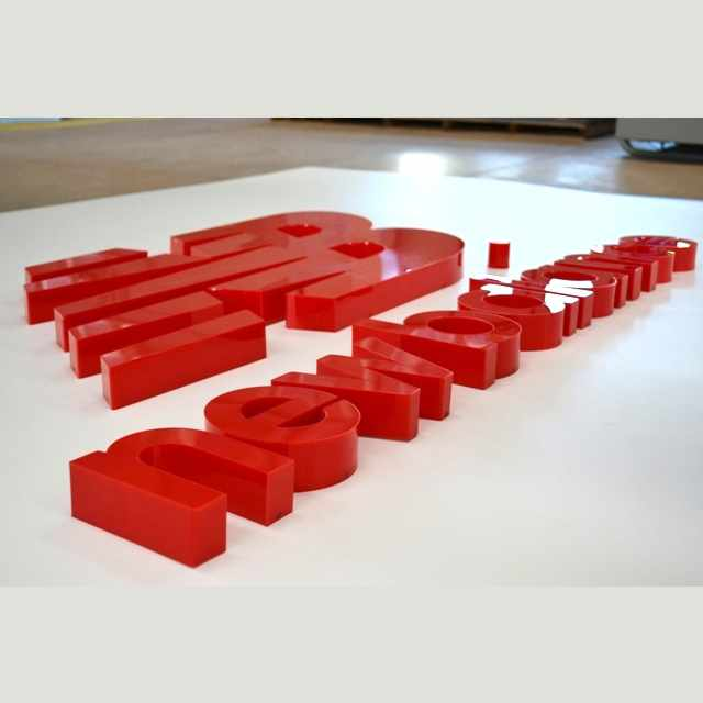 Lettere scatolate a led plexiglass total rosso