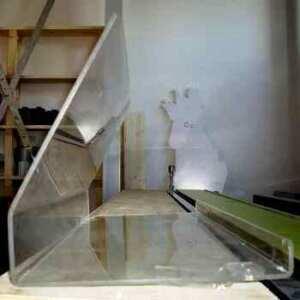 Protection en plexiglas transparent pour comptoir alimentaire dans les marchés