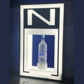 Présentoir lumineux en plexiglass, originale avec sa fenêtre qui met en valeur la bouteille exposée