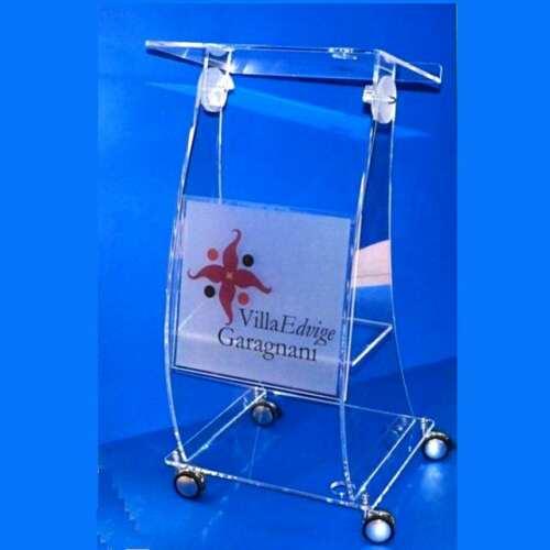 Leggio su ruote plexiglass Podio con marchio Villa Garagnani Bo
