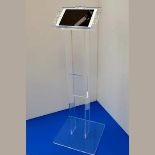 Porta IPAD su colonna in plexiglass ideale supporto da terra con sistema di blocco anti furto del tablet, laptop, altro e che puoi igienizzare